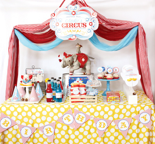 Birthday Table Top Decorations: Welcome To The Circus!