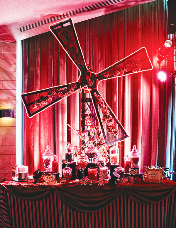 Sweet and sinful a moulin rouge candy bar the party for Decoration rouge