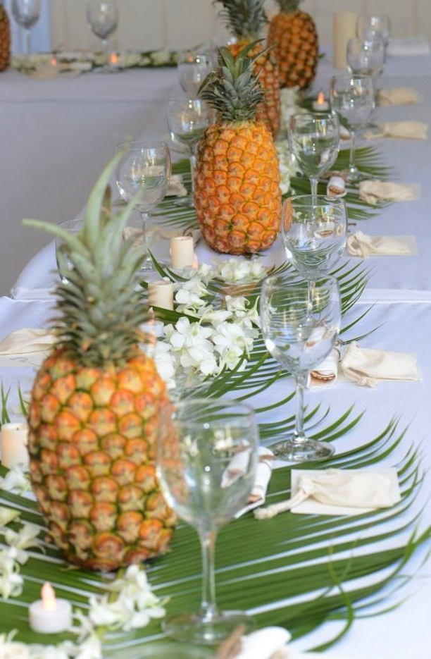 5 ways to use pineapples the party connection your for Ananas dekoration