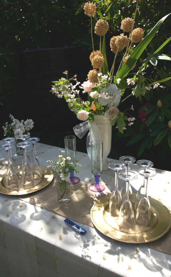 Creme and gold Champagne Table