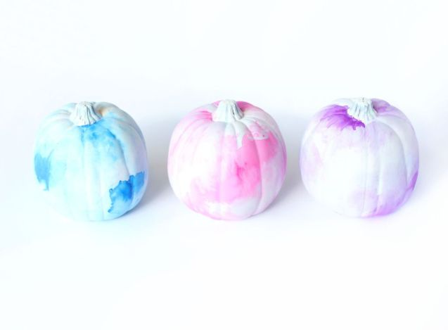 Watercolor-Pumpkins-@linesacross.jpg