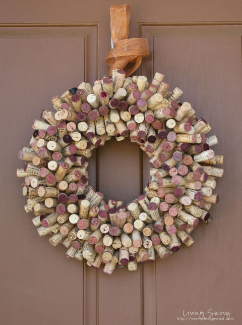 54ff37d1ca182-ghk-wine-cork-crafts-wreath-s2