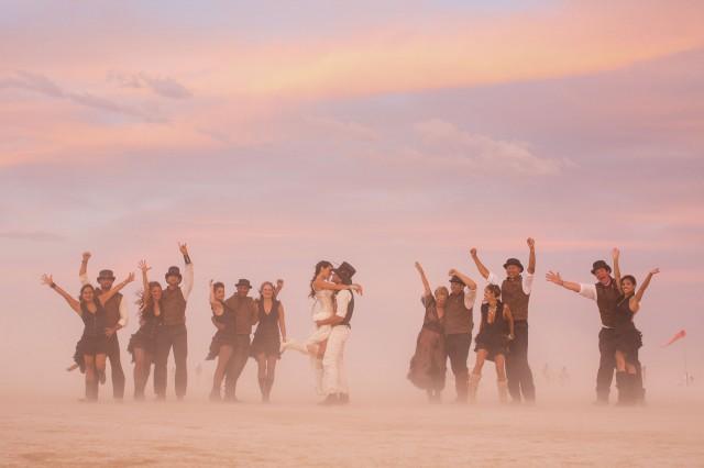 epic-Burning-Man-wedding_MichelleAndDamien-84-640x426.jpg
