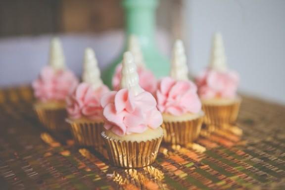unicorn-cupcakes-e1461002790923.jpg