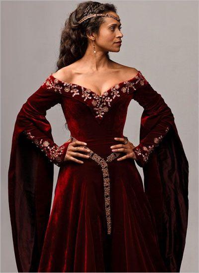 49c7d9916536e0fb2417c5d9185d909f--velvet-gown-velvet-dresses.jpg