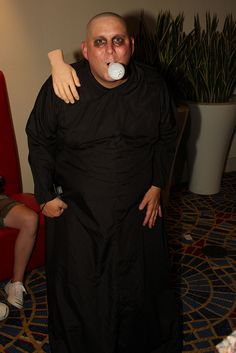 fdbfd87db037a9320c575e1c4d038ad0--uncle-fester-costume-holidays-halloween.jpg